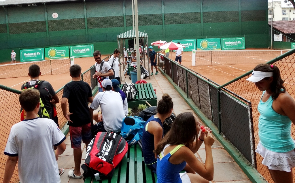 Copa Unimed VS de Tênis tem jogos de simples e duplas nesta terça-feira