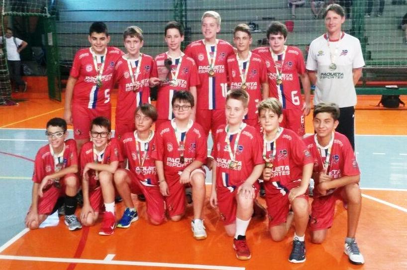 Equipes de Voleibol SGNH/IENH são destaques em competições