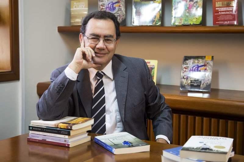 Dr. Augusto Cury realiza palestra sobre gestão emocional na Ginástica