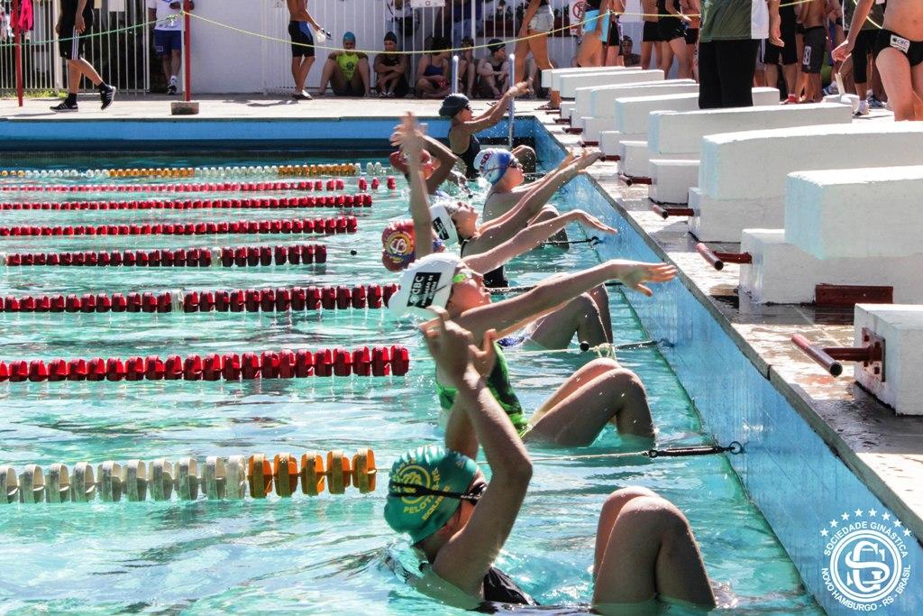 Natação ginasticana encerra o ano como vice-campeã do Estadual