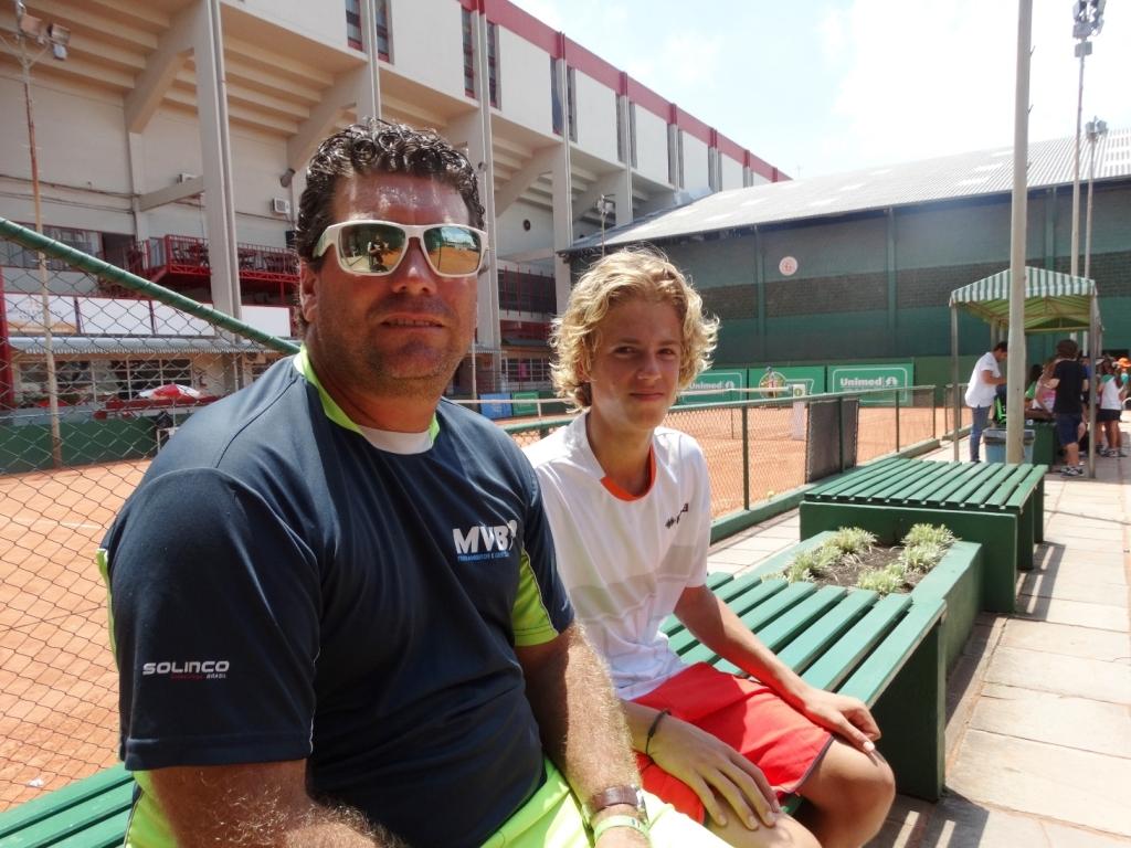 Calor marca o início da Copa Unimed VS de Tênis