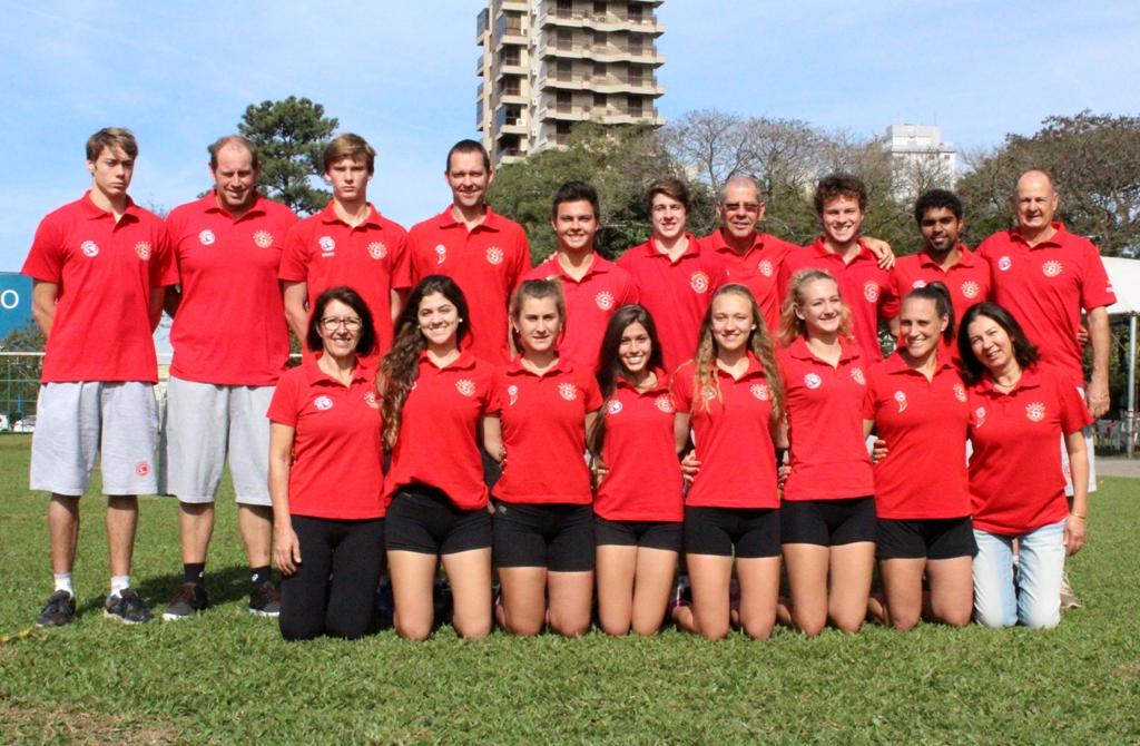 Equipes de Punhobol embarcam rumo à Europa para competições