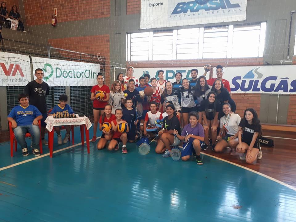 Ginasticanos participam da abertura das Olimpíadas Escolares NH