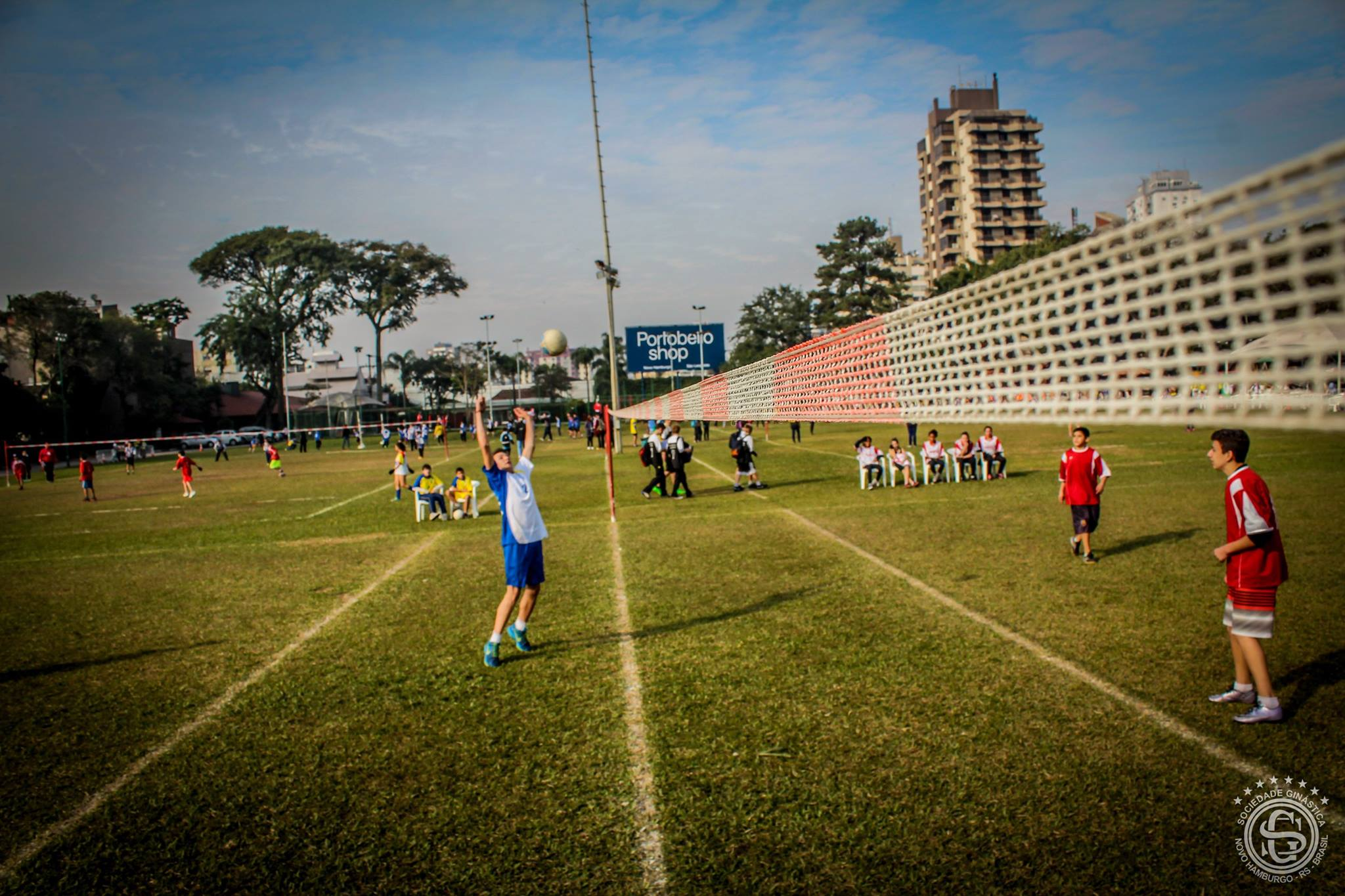 Olimpíada Escolar de Punhobol na Ginástica
