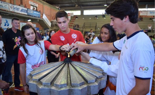 Ginástica sedia modalidades da Olimpíada Escolar 2019